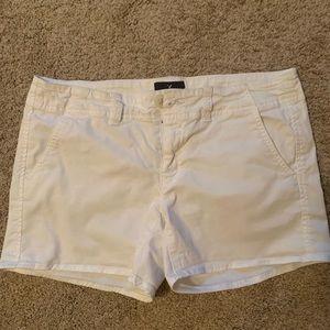🇺🇸American Eagle White Denim Stretch Shorts